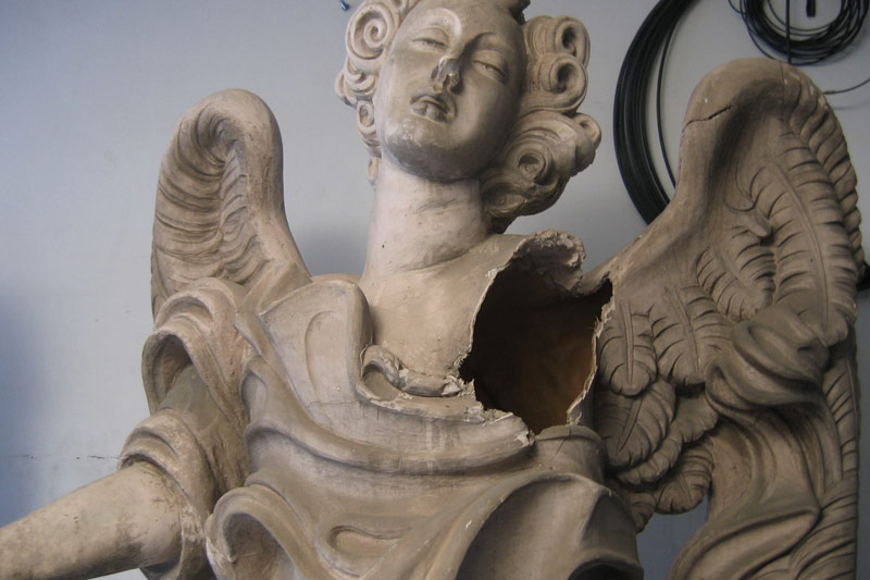 Emilio-Colaci-Restauro-angeli-carmelo-bene-2